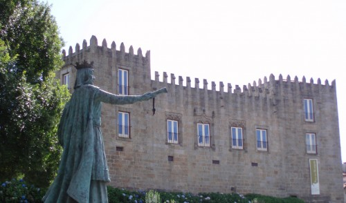 Queen Teresa Estatue, in Ponte de Lima